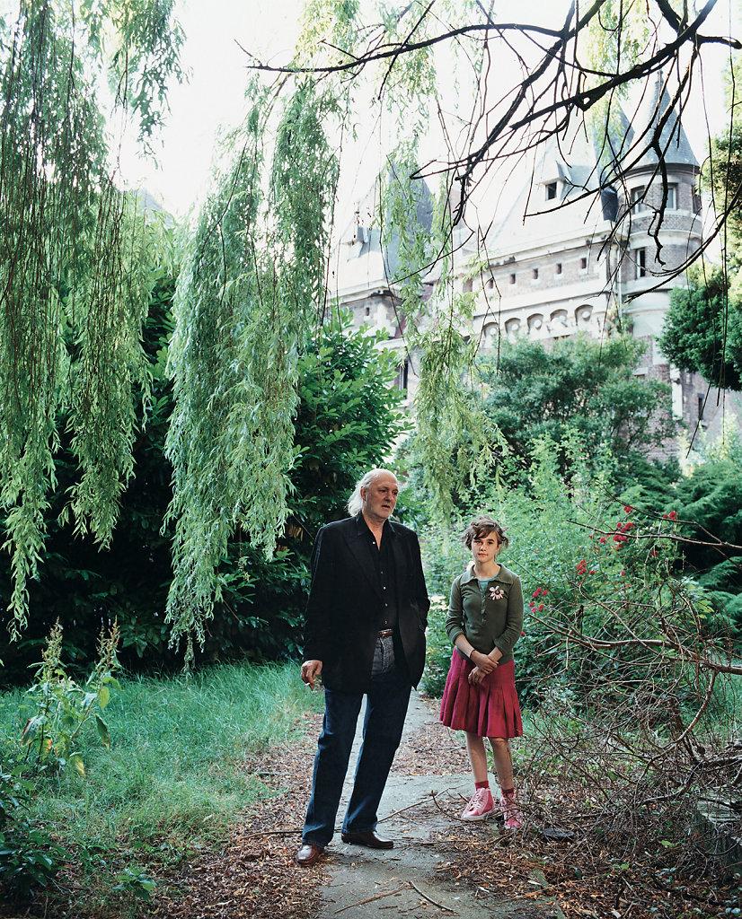 Guillaume Bijl, artist, with his daughter Nadja, Hoger Instituut voor Schone Kunsten, Antwerp (BE), 07/03