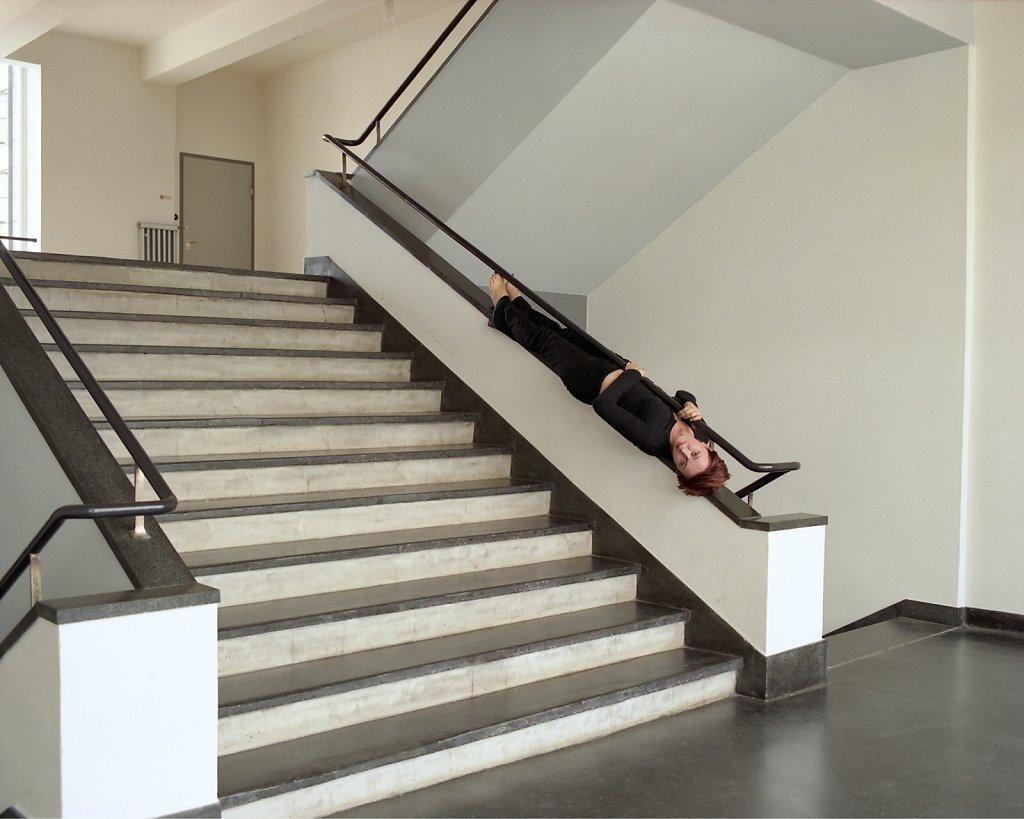 Arta Basha, Bauhaus-kollegiatin und Urbanistin, Treppenhaus, Bauhaus Dessau, 07/06