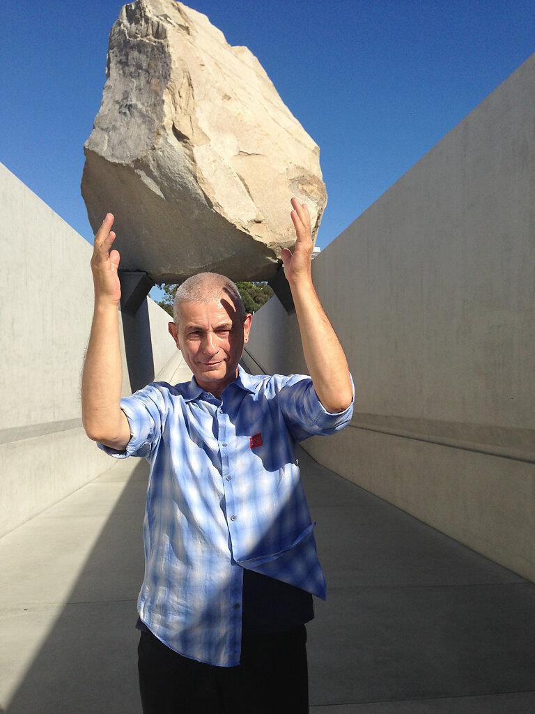 Vince Leo, photographer, »Levitated Mass« (Michael Heizer), LACMA, Los Angeles (US), 09/15