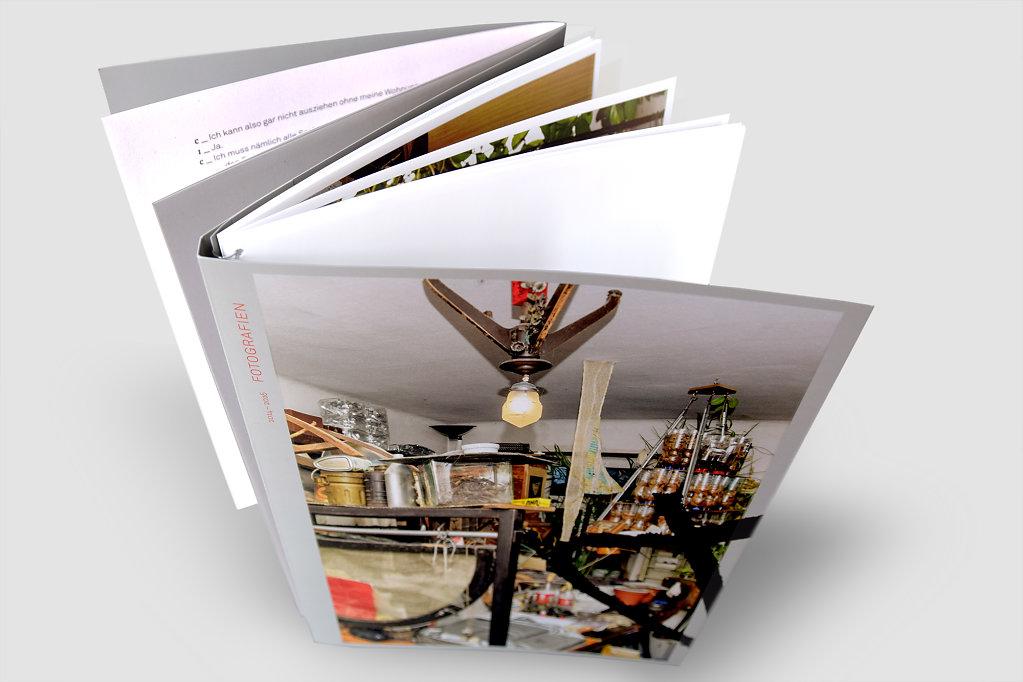 Zeichen-aus-Rufe-Sehsam-Editorial-Design-Buch-Einband-Cover-Titel.jpg
